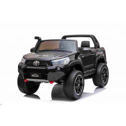 Mașină electrică de jucărie Toyota Hilux 4X4, neagră, baterie 2 x 12V / 10 Ah, roți EVA, suspensie de calitate, lumini LED, scaun tapițat, 2.4 GHz DO, cheie, unitate 4X4, dublu, USB, card SD, licență Bluetooth ORGINAL